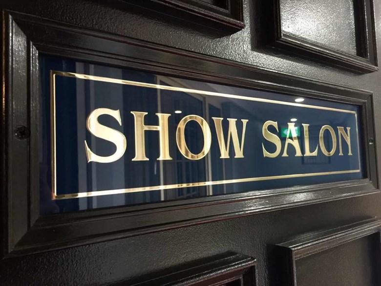 SHOW SALON  EASTWOOD