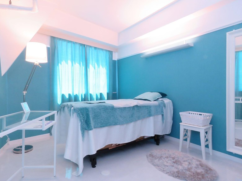 Maris Gina  ~ Body Sugaring Waxing  Salon~